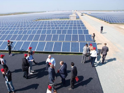 Будівництво сонячних електростанцій