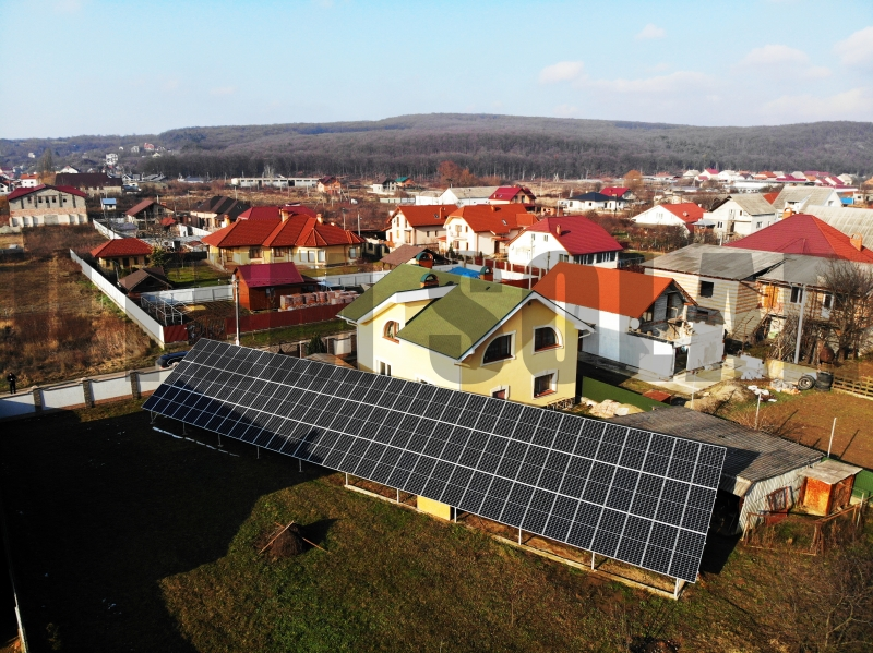 Наземна сонячна станція 30 кВт під зелений тариф в Ужгороді