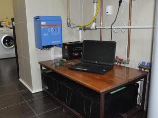 Система безперебійного живлення Victron Energy 2,5 кВт