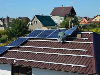 Монтаж солнечных батарей в Киевской области