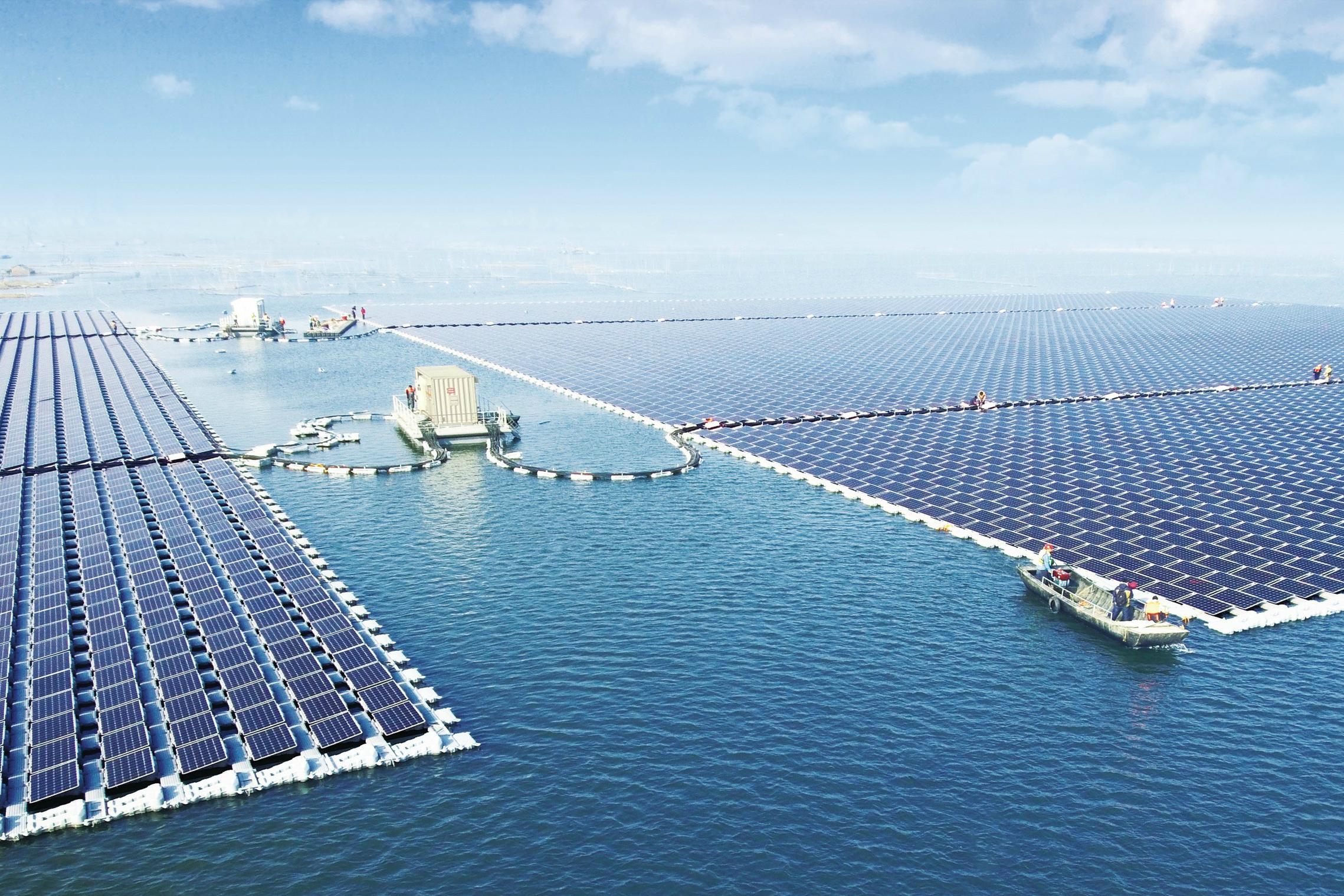Самая большая в мире солнечная электростанция на воде