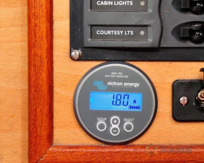 установка солнечных батарей на яхте